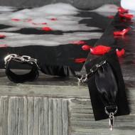 Sutra_chainlink_cuffs_black_mood